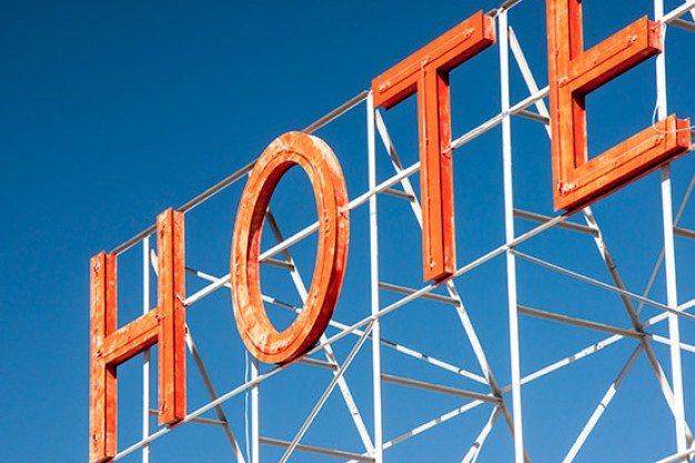 Hyperlocalization Tips for the Hospitality Industry